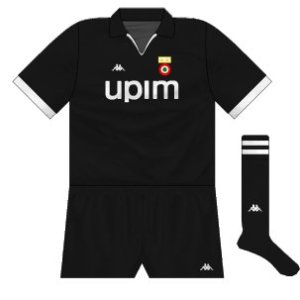 1990-91 Juventus away