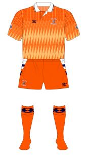Luton-Town-1991-1992-Umbro-away-kit-no-sponsor-01