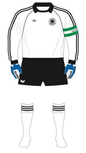 West-Germany-adidas-1984-heimtrikot-Bulgaria-Rummenigge-handschuhen-01
